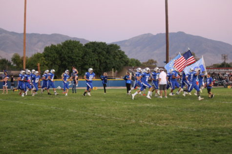 Broncos Runners Dust Cal City
