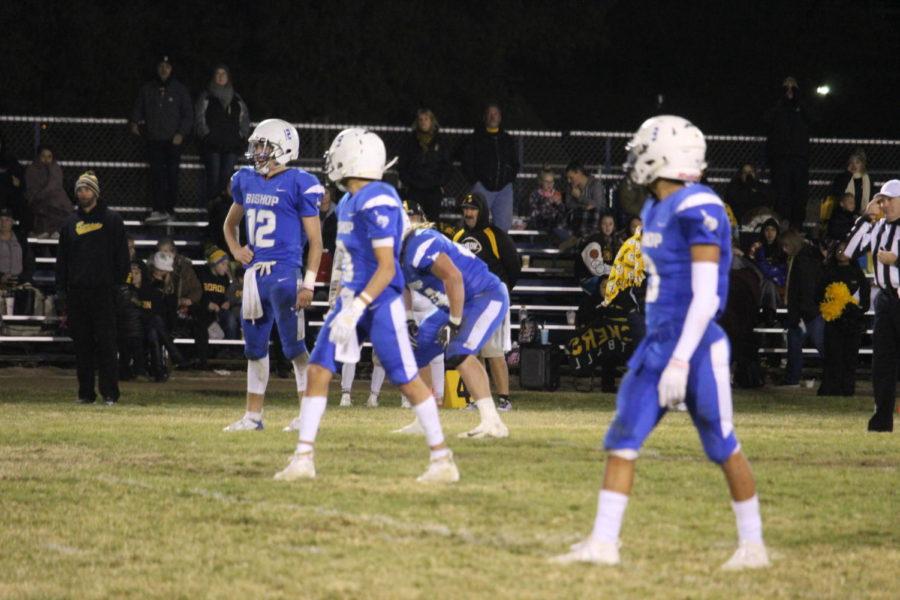Varsity+football+team